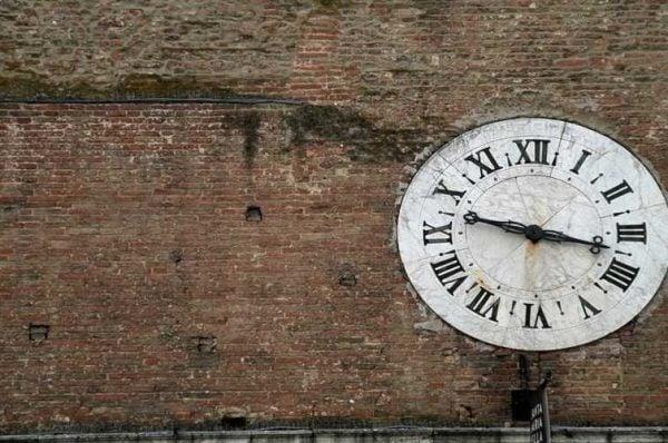 Duvardaki Geçmiş